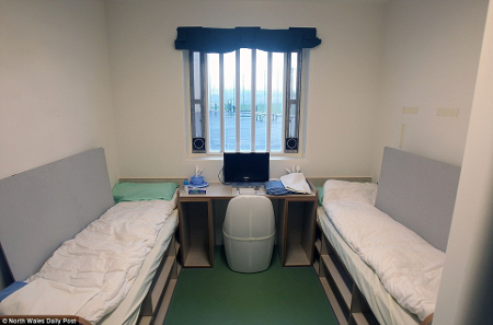 HMP Berwyn double occupancy room by North Wales Daily Post 1488378201460 450px